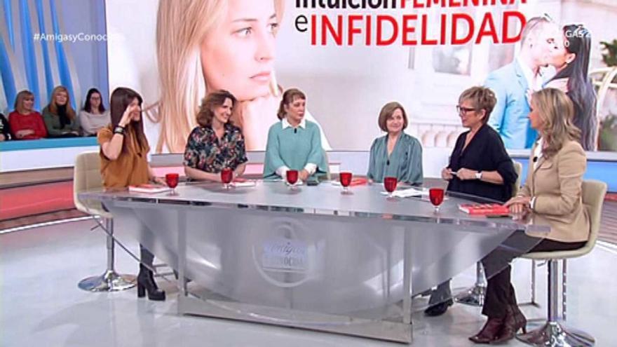 Las revistas hacen oficial el noviazgo de una conocida presentadora y un hijo de Ángel Nieto