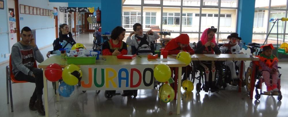 """Antroxu en """" El colegio """"Ángel de la Guarda"""" de Latores"""