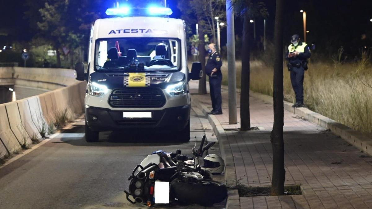 Fallece un motorista tras salirse de la vía en la ronda norte de Castelló