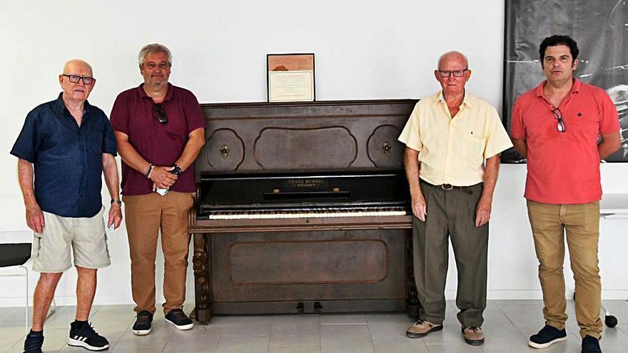 El «Franz Hummel», el piano de las varietés en los años 30 en Xàbia