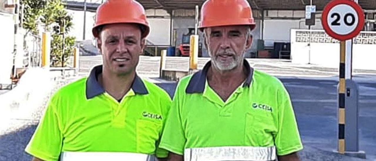 Lita Cabrera y su hijo José Francisco Trujillo, en su puesto de trabajo.    LP/DLP
