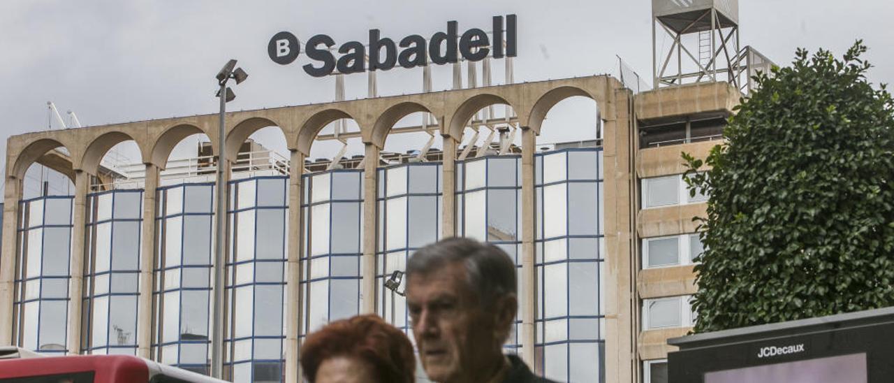 La sede central del Banco Sabadell y, hasta ahora, de Solvia, en Alicante.
