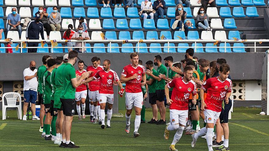 El CD Ibiza golea al Sant Jordi y gana la Liga de la Tercera División balear