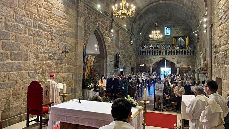 El arzobispo supervisa las obras de la rectoral