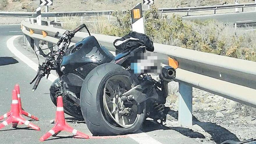 El motorista fallecido, un conocido trabajador de una gasolinera de El Doctoral