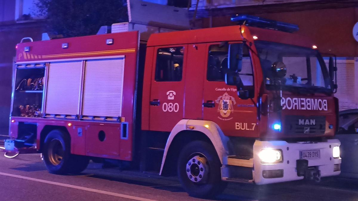Una imagen de un camión de bomberos.
