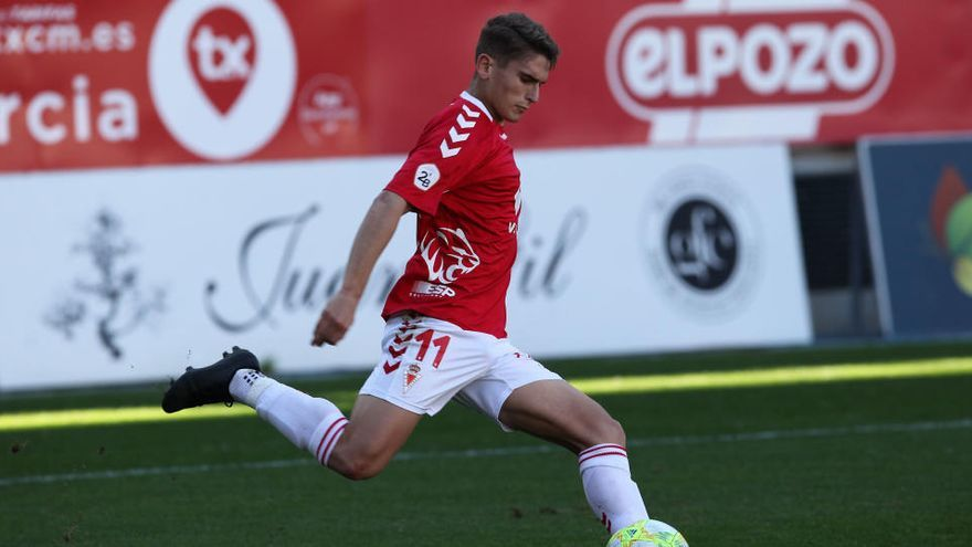 El Real Murcia cierra el traspaso de Josema al Espanyol