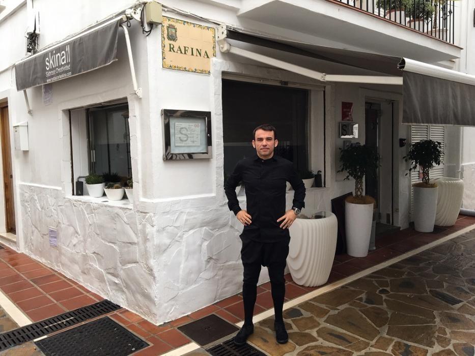 El chef Marcos Granda gana la segunda estrella Michelin El 20 de noviembre, el chef Marcos Granda obtiene la segunda estrella Michelin para su restaurante Skina, que además gana una demanda por contaminación acústica contra la Hermandad del Rocío de Marbella, que deberá insonorizar el local contiguo.