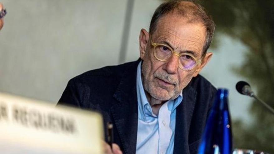 Javier Solana causa revuelo en las redes al asegurar que está vacunado con 'Pfeiffer'