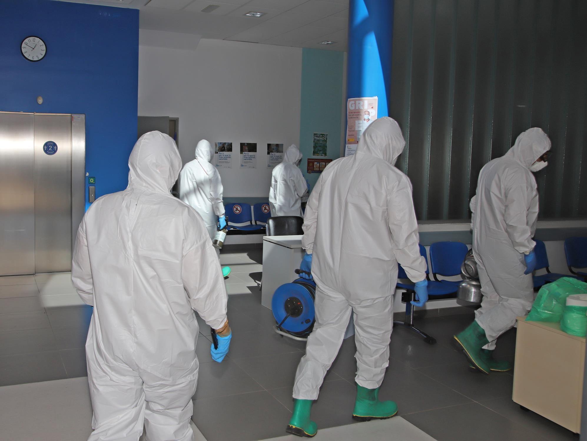 Desinfección de los Centros de Salud por parte de la UME