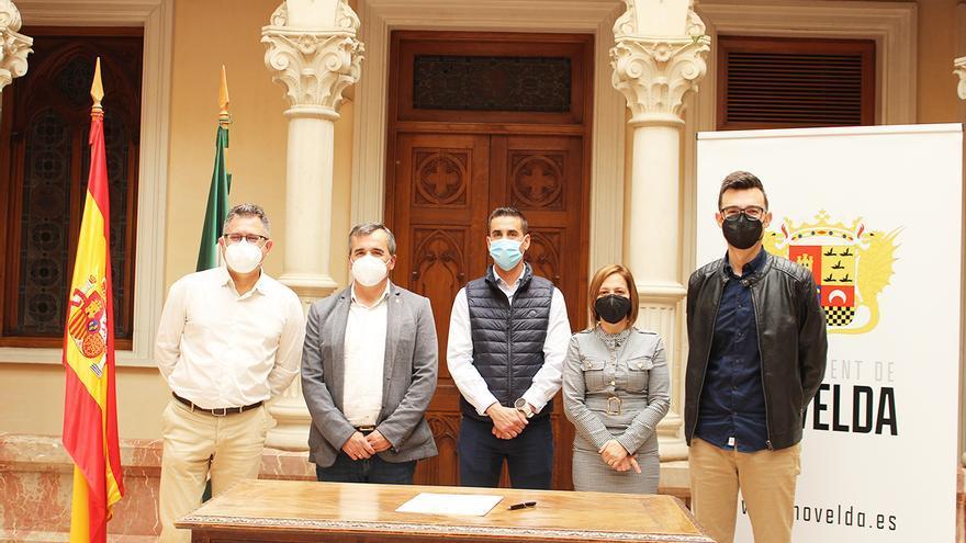 """Los alcaldes del Vinalopó piden """"justicia"""" para la uva de mesa embolsada"""