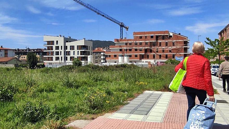 La urbanización de la calle Santa Isabel impulsa nuevos planes de vivienda en Lugones