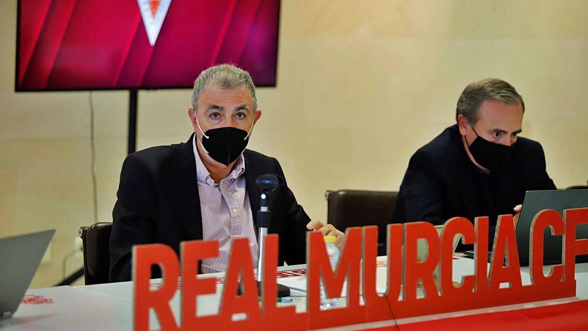 Francisco Tornel y Paco Miró durante la Junta de Accionistas telemática.