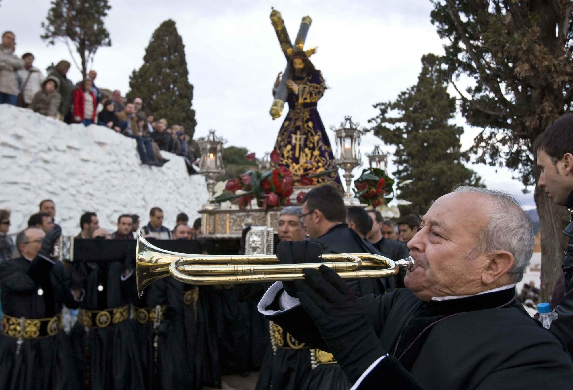 Vuelve a los últimos Viacrucis de la Semana Santa de Sagunt.