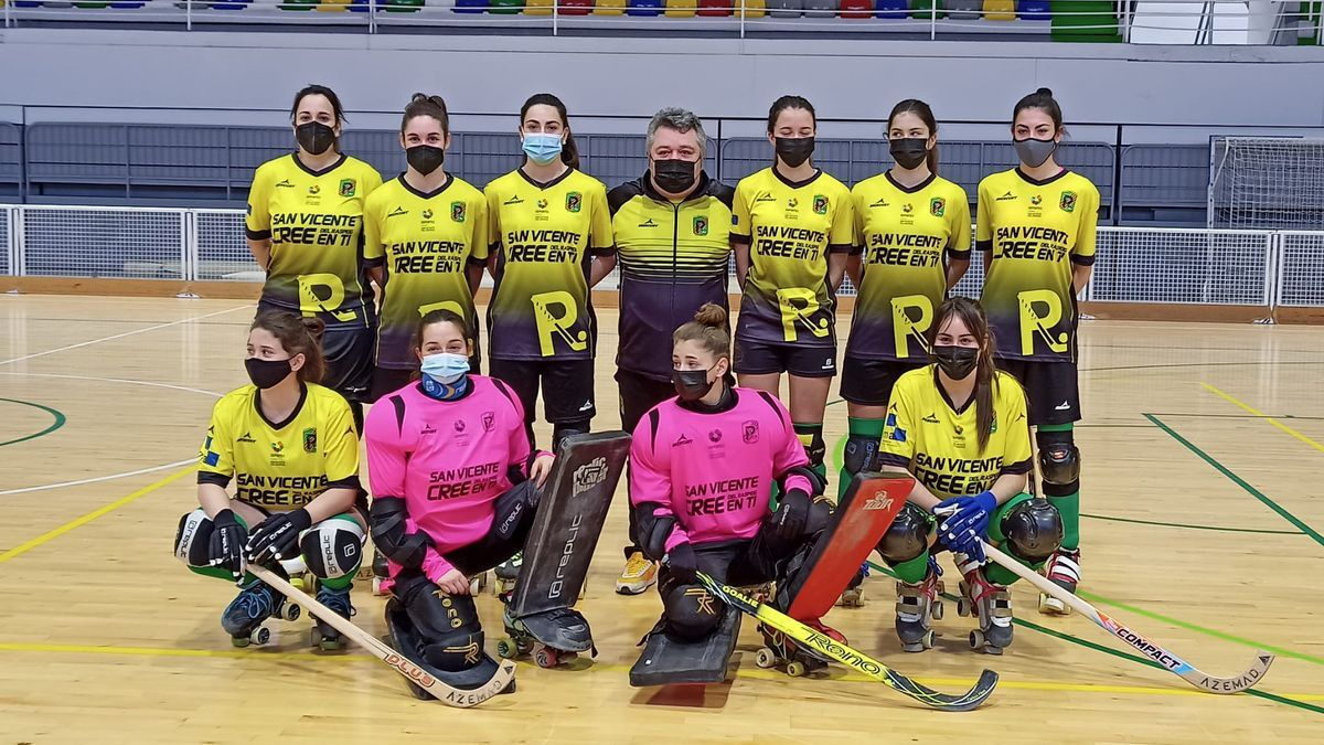 Skate Raspeig's women's team in this weekend's debut match in the OK Plata league.