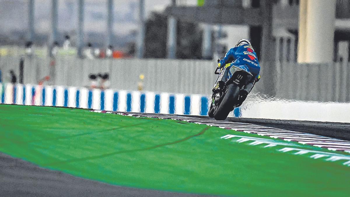 Joan Mir, durante la carrera de ayer en el circuito de Losail.