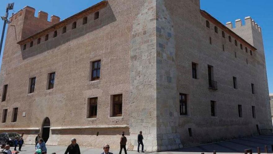 'Honrem i favorim'  el Castell d'Alaquàs