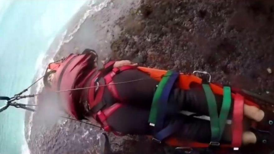 Rescatan a una joven herida en un acantilado de Cala Romántica
