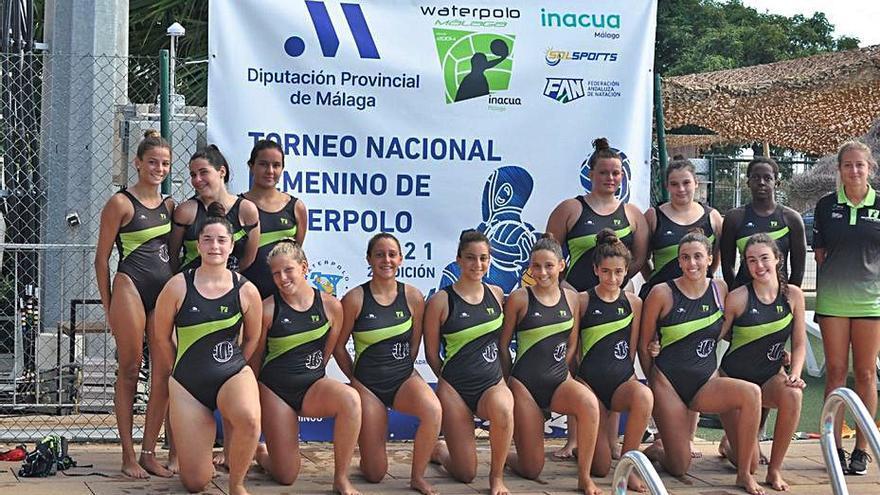 Inacua reúne a unas 50 jugadoras en la gran fiesta del waterpolo femenino
