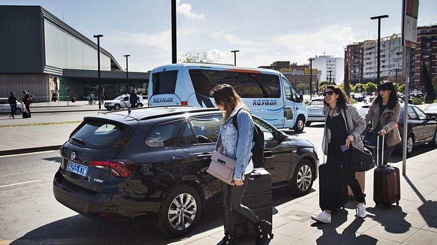 El Supremo deja al Consell sin armas para vigilar que Uber y Cabify cumplen la norma