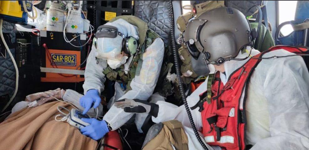 El SAR evacúa a un tripulante enfermo de un barco al oeste de El Hierro