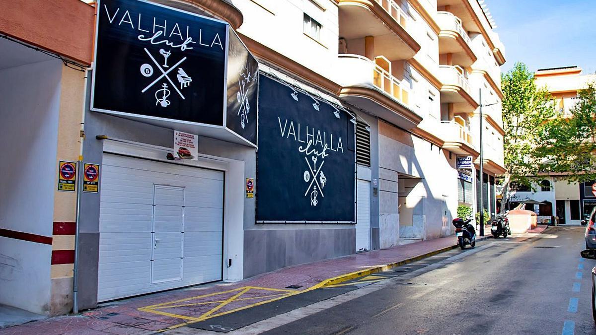 El local donde se celebró la fiesta ilegal está en el centro urbano de Calp | CARLOS LÓPEZ