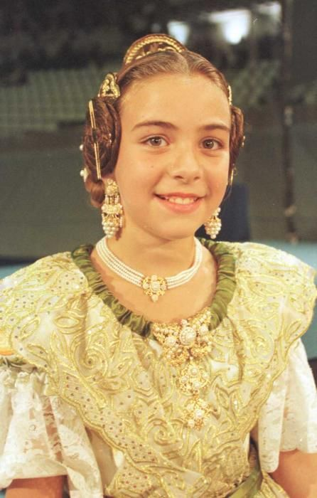 Corte 2001. Teresa Estevens, que posteriormente fue finalista para 2017 y jurado de corte infantil al año siguiente.