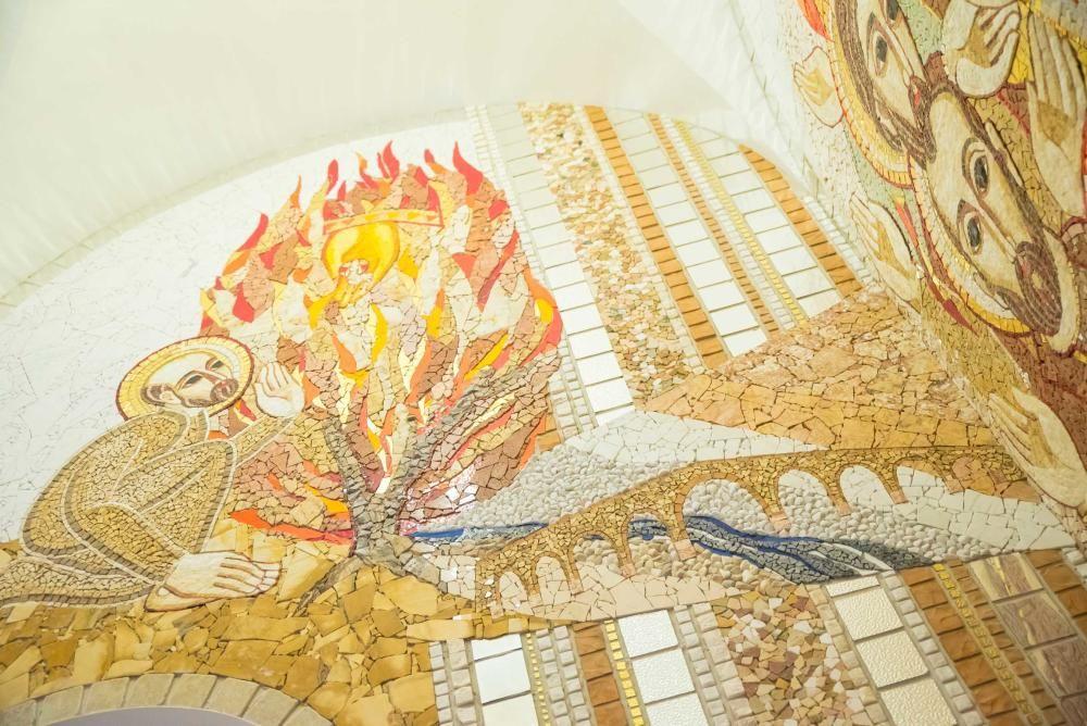Presentació dels mosaics de La Cova