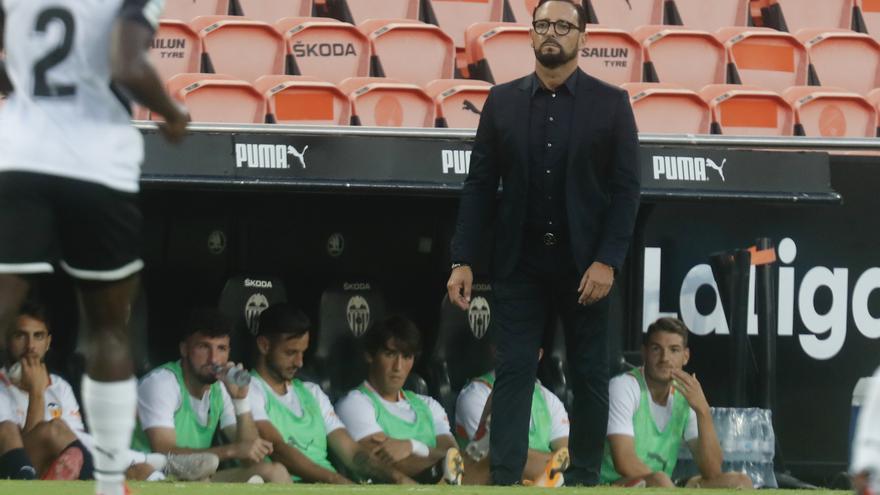 La faena del Valencia CF en el mercado de fichajes antes del debut liguero