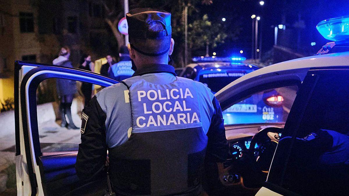 Agentes de la Policía Local de La Laguna.