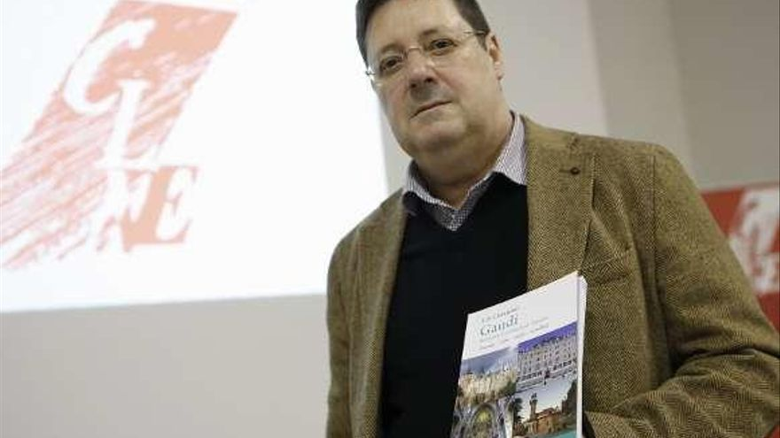 Chimeno diserta sobre la obra de Gaudí en el noroeste de España