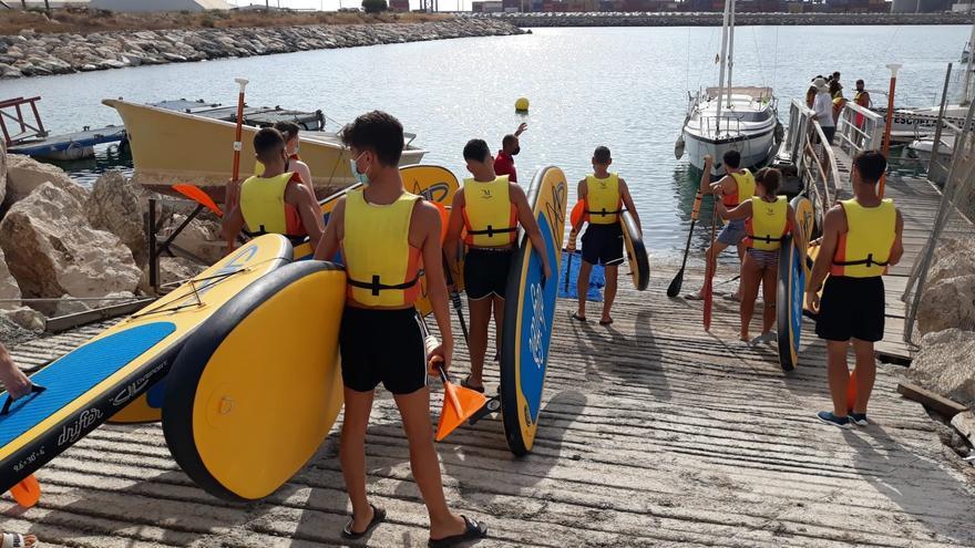 Más de 1.400 jóvenes de 24 municipios participan este verano en las actividades naúticas de la Diputación