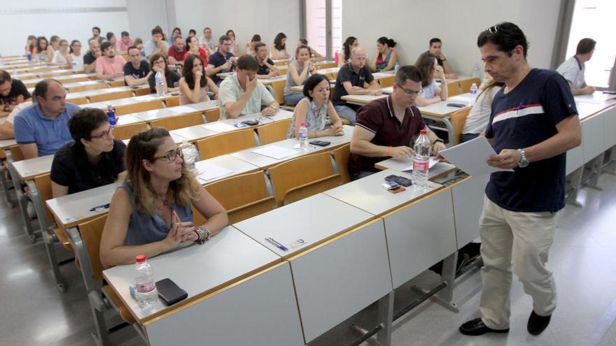 Educación quiere mandar las oposiciones de Secundaria al verano de 2021