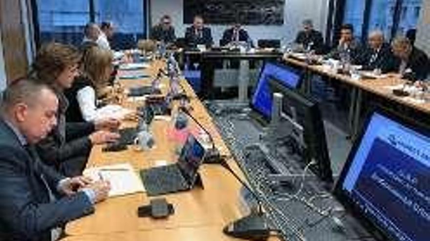 La Europol se reúne en Vigo con la Agencia Europea de Pesca