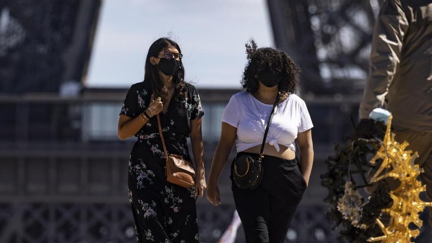 Francia adelanta el toque de queda a las 18.00 horas para frenar el virus