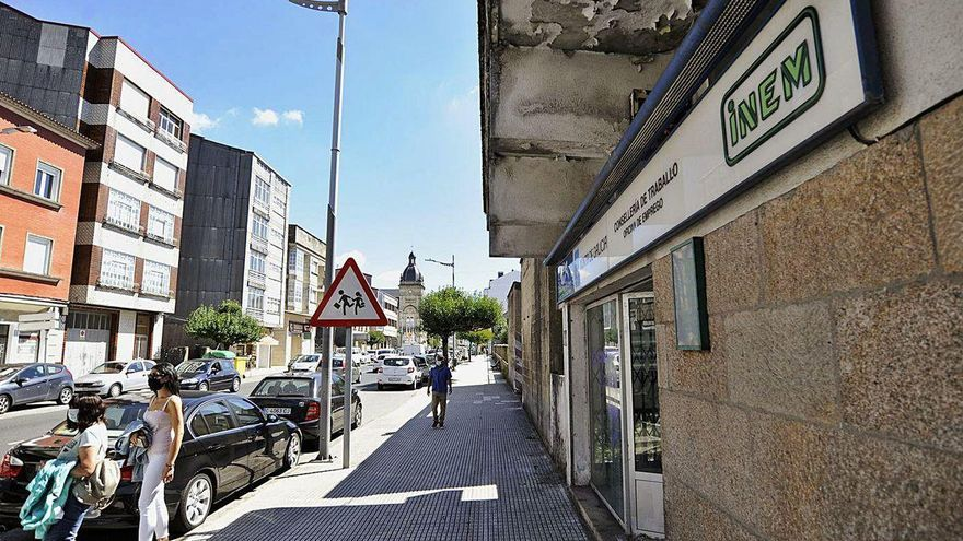 A Estrada ofrece a Trabajo 85.000 euros para comprar la antigua oficina del INEM