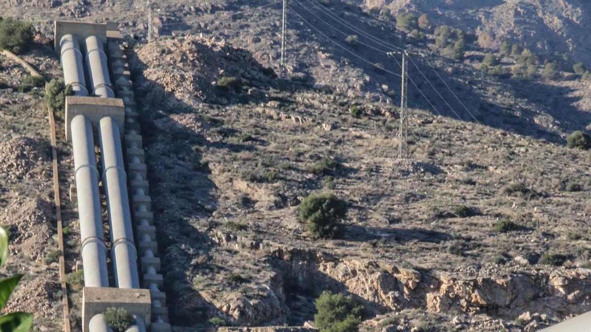 Infraestructura del trasvase Tajo-Segura en la Vega Baja de Alicante.