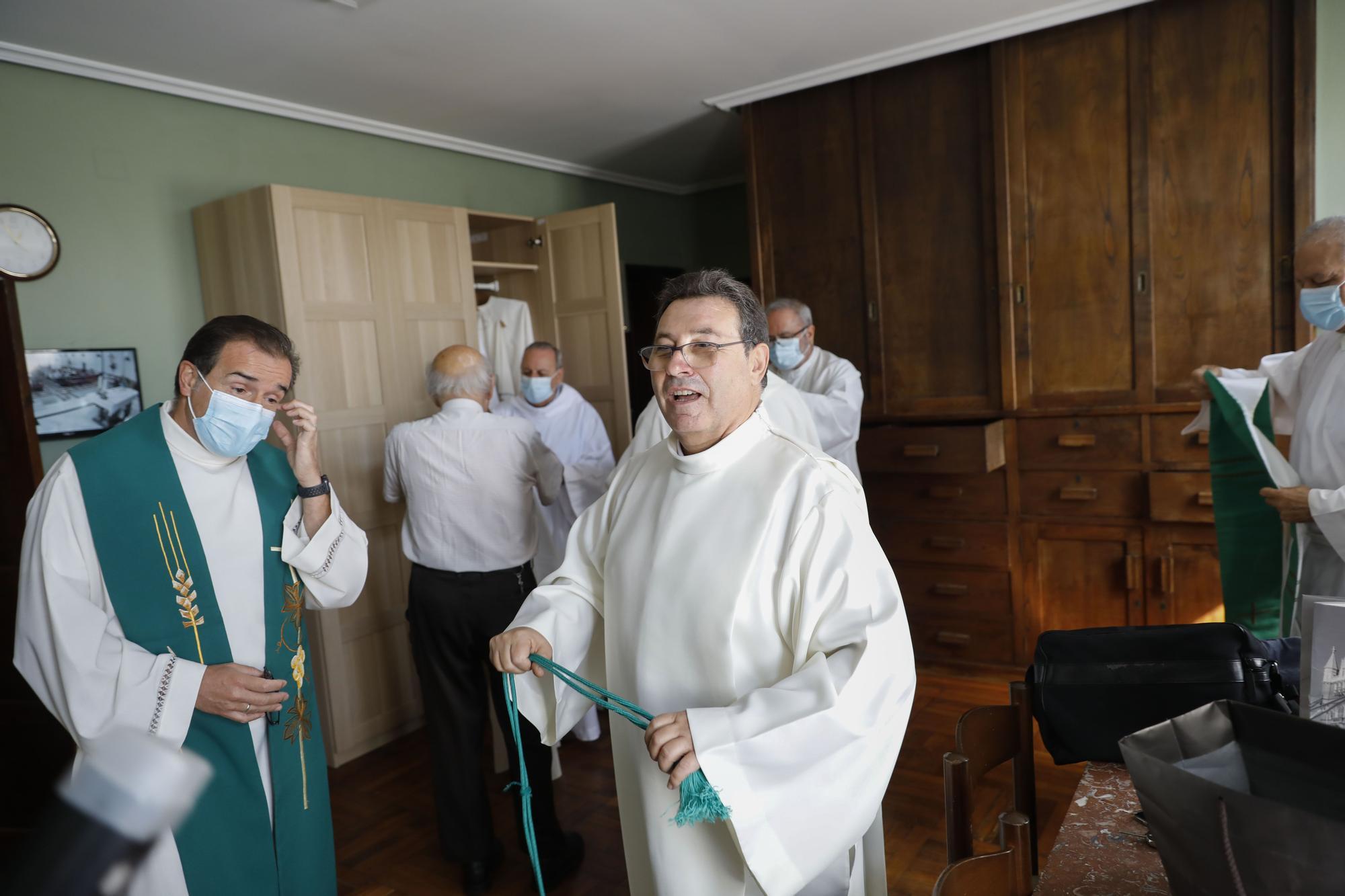 Eduardo Zulaiba toma posesión como párroco en Jove