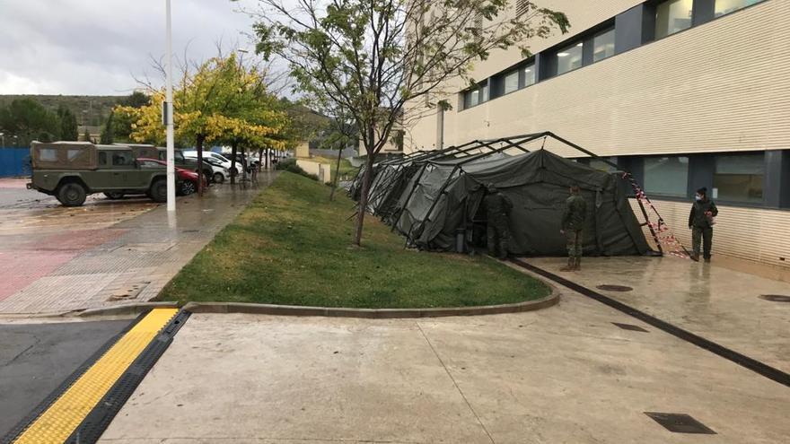 El Ejército monta varias carpas en el Hospital de Llíria para realizar PCR
