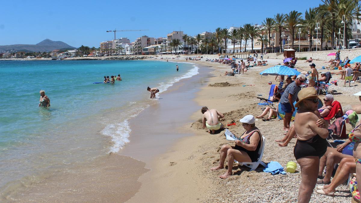 La playa de la Grava y el paseo marítimo que ahora se llamará Joaquín Sorolla