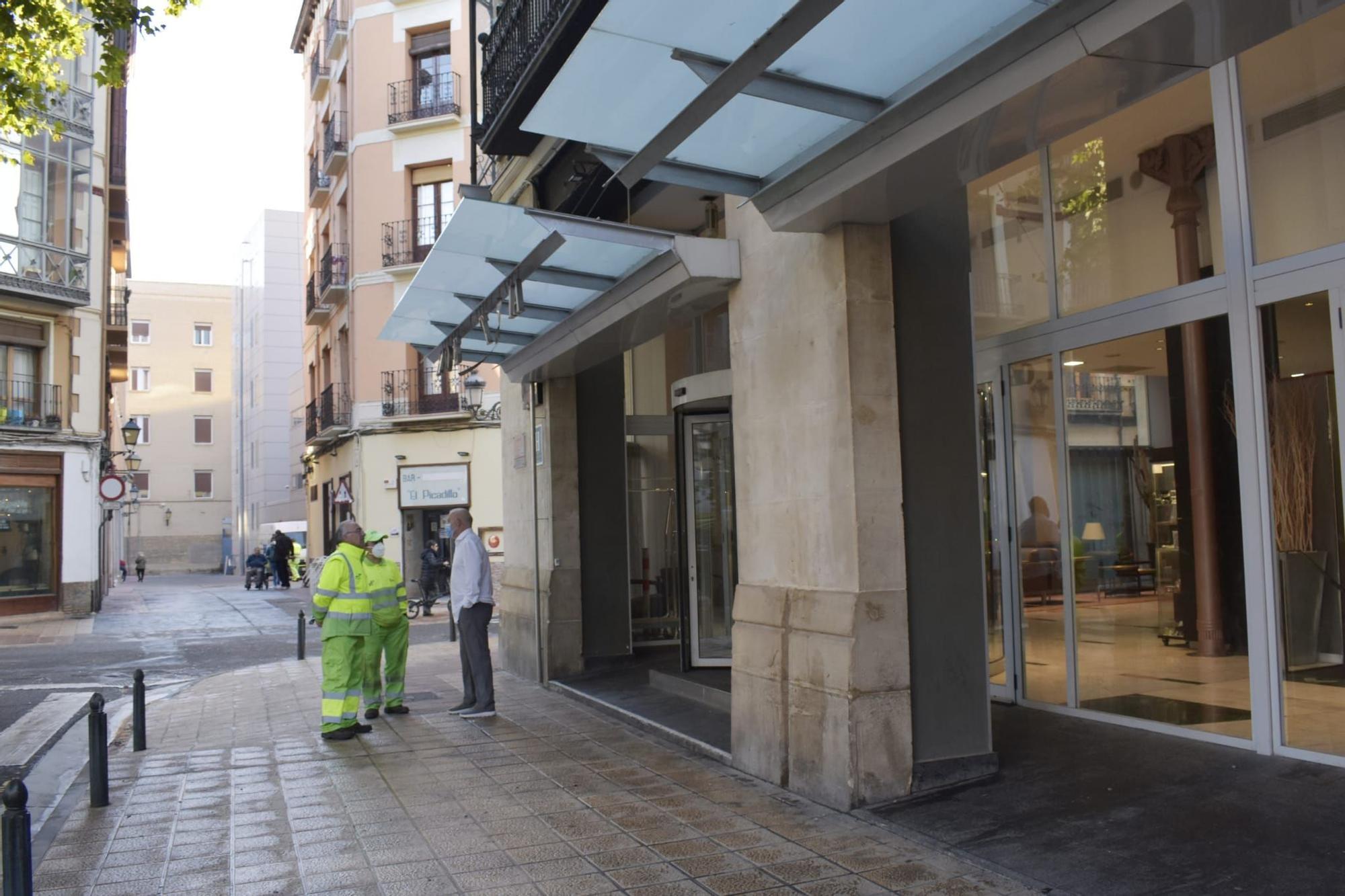El hotel Catalonia sufre daños tras los disturbios en la madrugada del Pilar