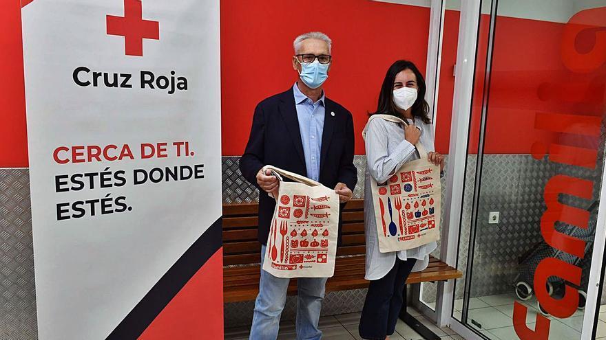Bolsas solidarias de Vegalsa-Eroski a favor del proyecto del éxito escolar de Cruz Roja Galicia