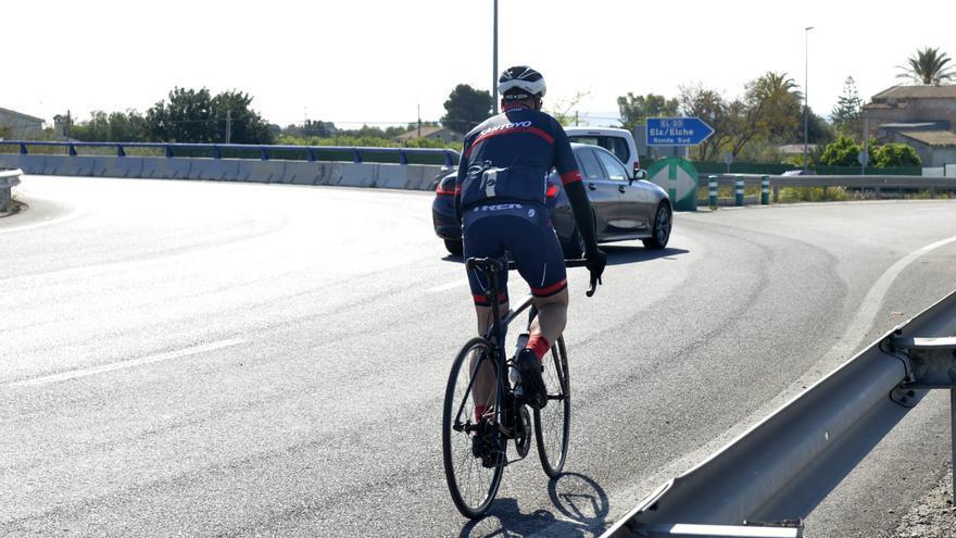 Elche exige a Fomento que complete el carril bici de la Vía Parque