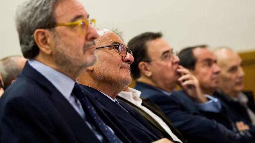 Excàrrecs del BdE diuen que desconeixien els augmentsde sou a CatalunyaCaixa