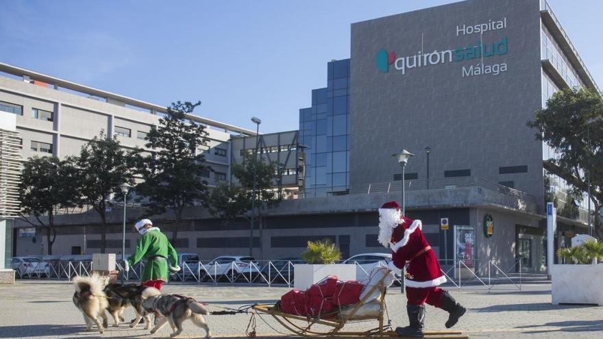 Papá Noel visita el Hospital Quirónsalud Málaga