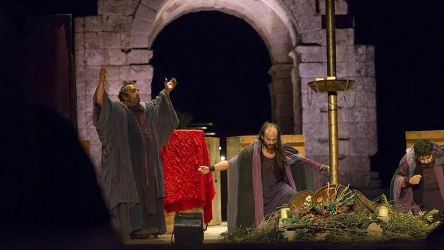 'Antígona' levanta esta noche el telón en Cáparra