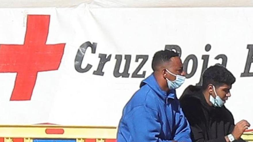 Mueren dos inmigrantes de una patera llegada a Alicante
