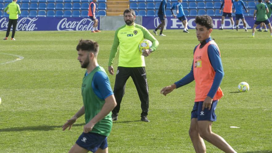 Moreno convoca a Solbes, del filial, y se cae Sergio Jiménez, lesionado