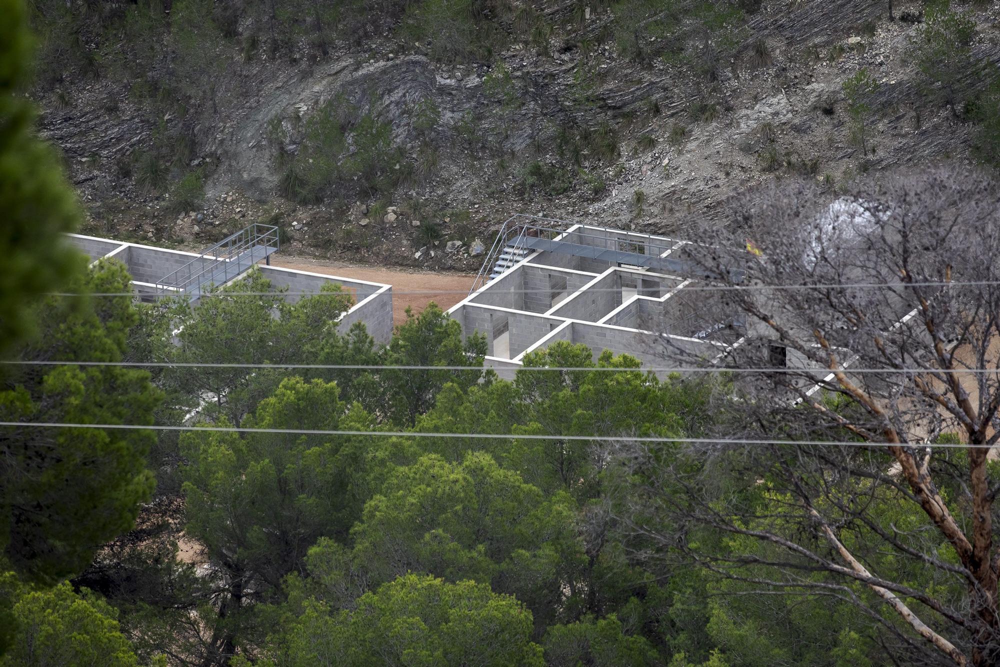 """Denuncian la construcción de un poblado para """"combates"""" del Ejército en una área natural"""