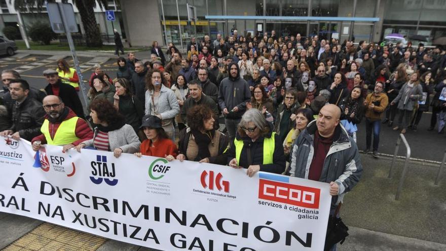 El comité de huelga de Xustiza estudia la propuesta de la Xunta